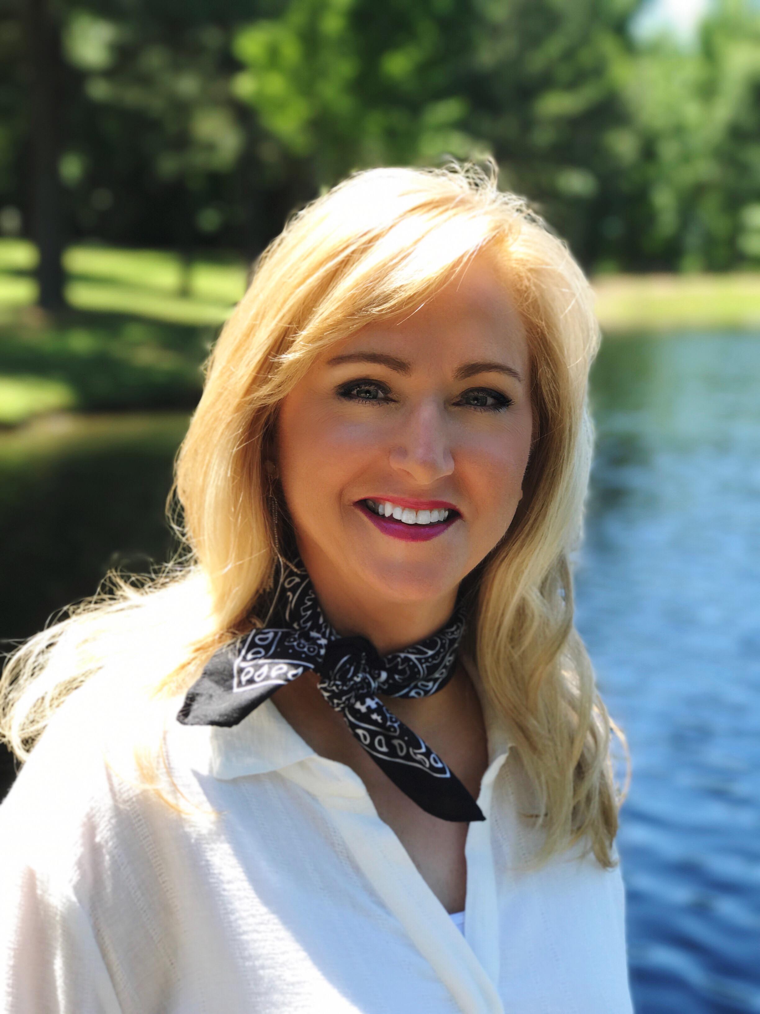 Melanie Redd on SunSparkleShine.com